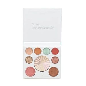 Ofra Cosmetics - Good to Go Mix Palette